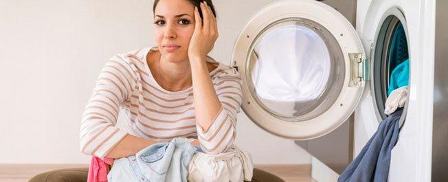 Lavanderia x lavar em casa: qual opção vale mais a pena?