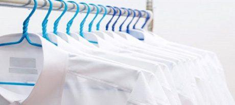 Roupas brancas: como vencer o desafio de tirar o encardido!
