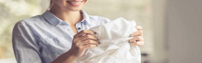 Como tirar encardido de roupas brancas
