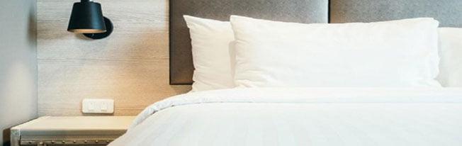 Lavar a roupa de cama: qual frequência ideal para sua saúde?