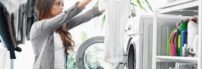 5 erros que diminuem a vida útil das roupas e causam prejuízos!