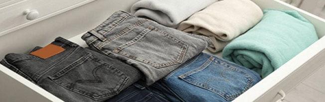Conte com uma lavanderia especializada para eliminar o cheiro de armário